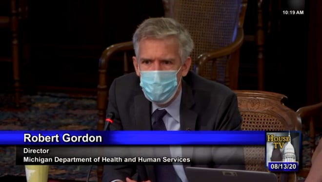 Michigan health department director Robert Gordon resigns