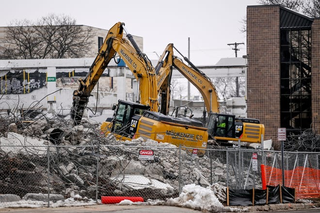 LCC parking project starts with Gannon ramp demolition