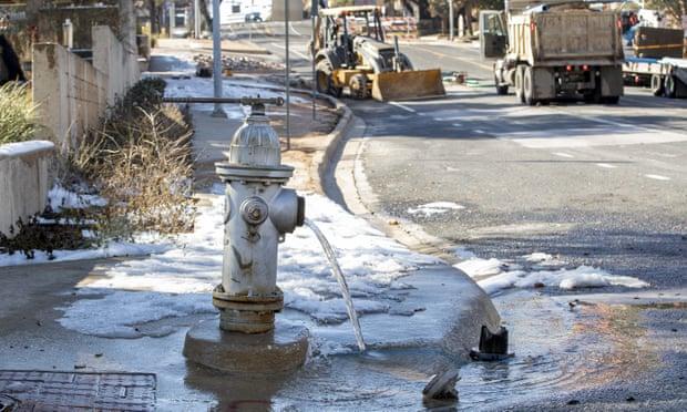 Biden urged to back water bill amid worst US crisis in decades
