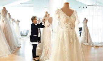 Michigan bridal industry preps for overdue wedding season