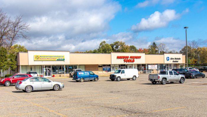 Marcus & Millichap sells 28,133-square-foot retail property in Lansing