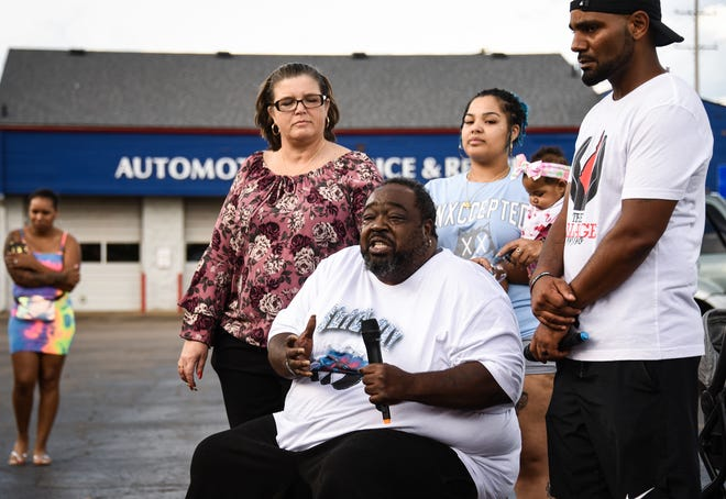 As violent summer rages, families find community in grief support groups