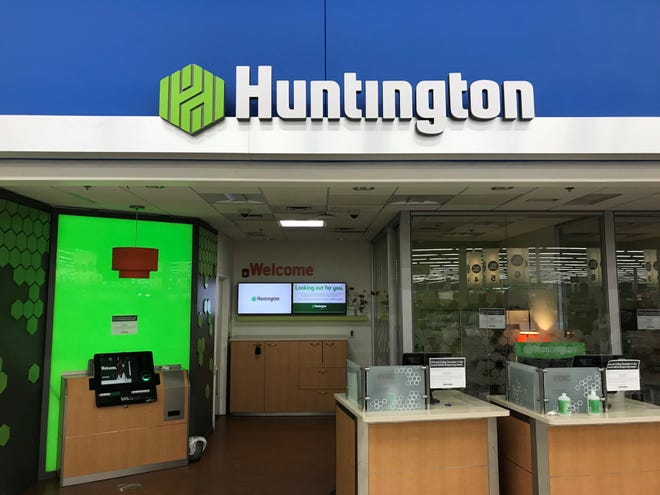 Huntington, TCF to close 198 branches for planned merger