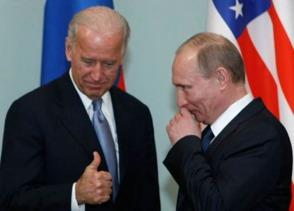 "After Biden Decides Not to Move Two US Navy Ships Into Black Sea, Russia Blocks Two Ukrainian Ports – Biden Next Kicks 10 Russians Out of the US and Putin Says ""A Price Will Be Paid"""