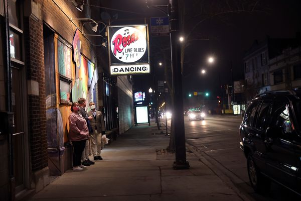 Live Music Makes an Uneasy Comeback in Chicago