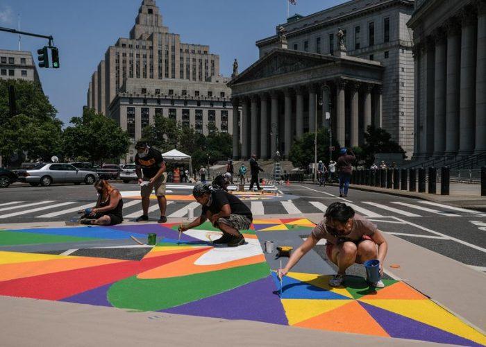 Amid Crisis, a Renaissance for Street Art